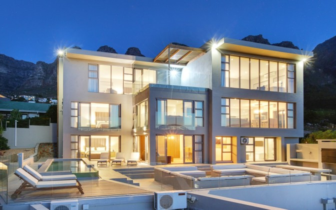 Camps Bay 5 star luxury holiday  villa